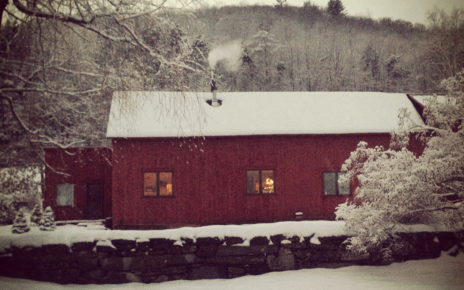 Snow_Barn-FeaturedImage_1600_1000
